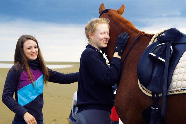 Of Girls and Horses -- STILL 2