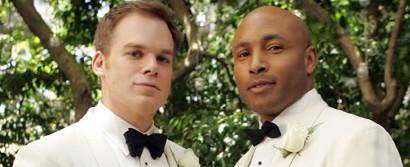 Six Feet Under | Serie 2001-2005 -- schwul, lesbisch, Bisexualität, Homophobie, Coming Out, Homosexualität