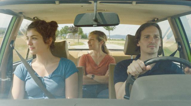 Siebzehn | Lesben-Film 2017 -- lesbisch, Coming Out, lesbischer Teenager, Bisexualität, Homosexualität im Film, Queer Cinema -- FILM-BILDER