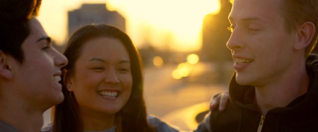 Akron | Gay-Film 2015 -- schwul, Bisexualität, Homophobie, Homosexualität im Film, Queer Cinema -- FILM-BILD