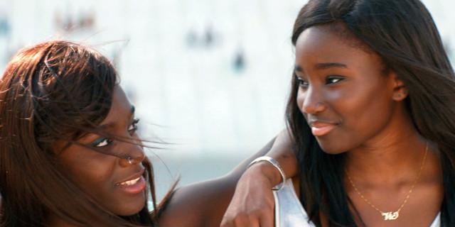 Bande de filles - Mädchenbande | Lesben-Film 2014 -- lesbisch, Bisexualität, Homosexualität im Film, Queer Cinema -- FILM-BILD
