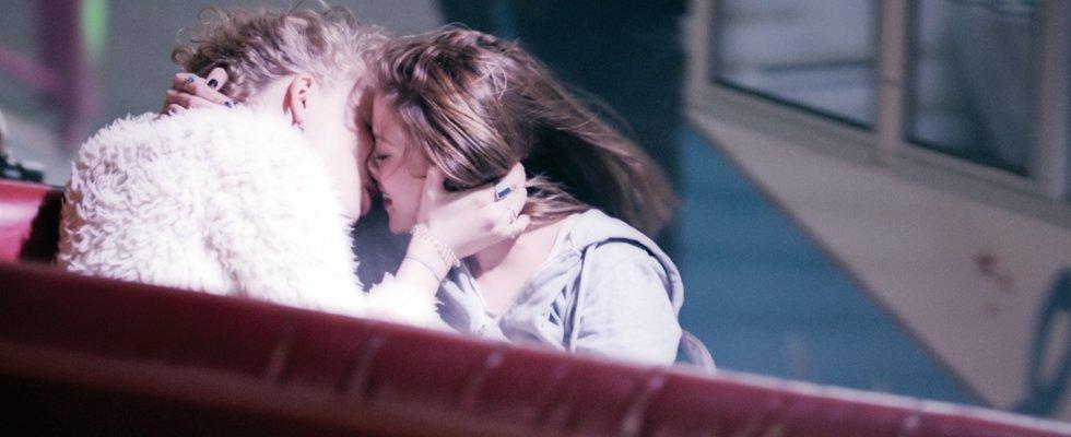 Looping | Lesben-Film 2016 -- lesbisch, Bisexualität, Homosexualität im Film, Queer Cinema, Stream, deutsch, ganzer Film