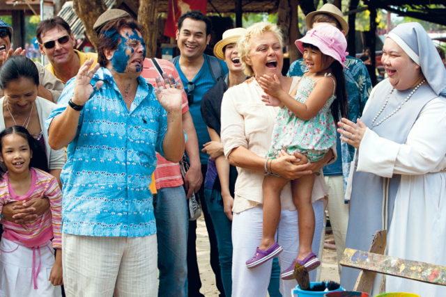 Zum Glück bleibt es in der Familie | Film 2011 -- lesbisch, Homophobie, Regenbogenfamilie, Homosexualität im Film, Queer Cinema, lesbischer TV-Tipp -- FILM-BILD