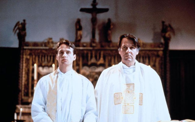 Der Priester | Gay-Film 1994 -- schwul, Coming Out, Homophobie, Homosexualität im Film, Queer Cinema, Stream, deutsch, ganzer Film, legal -- FILM-BILD